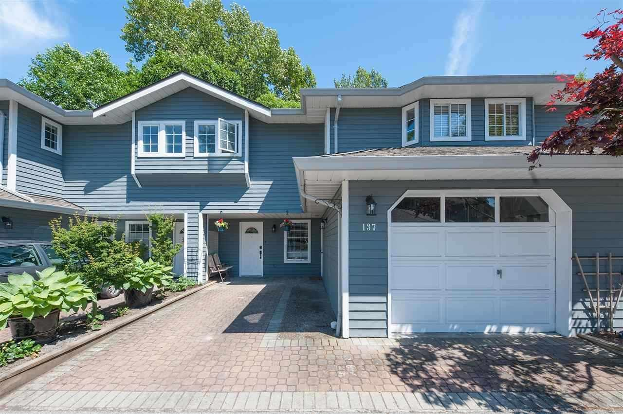 Main Photo: 137 16335 14 Avenue in Surrey: King George Corridor Townhouse for sale (South Surrey White Rock)  : MLS®# R2471874