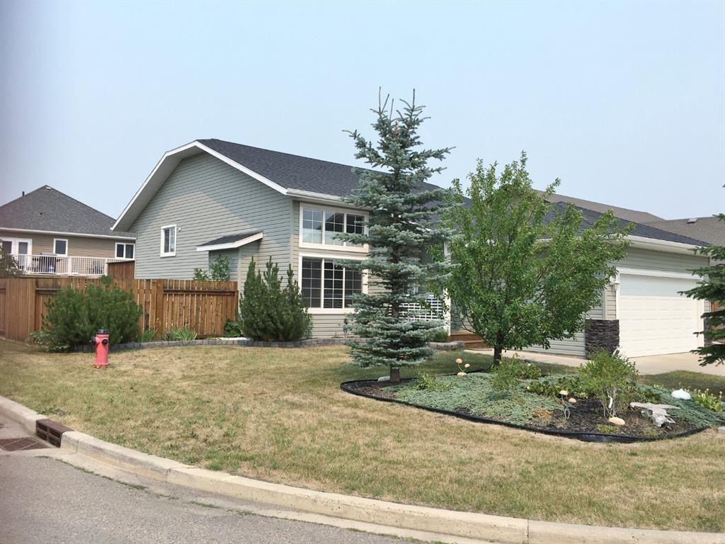 Main Photo: 2 Deer Coulee: Didsbury Detached for sale : MLS®# A1133747