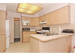 """Photo 7: 6 9163 FLEETWOOD Way in Surrey: Fleetwood Tynehead Townhouse for sale in """"Fountains of Guildford"""" : MLS®# F1323715"""
