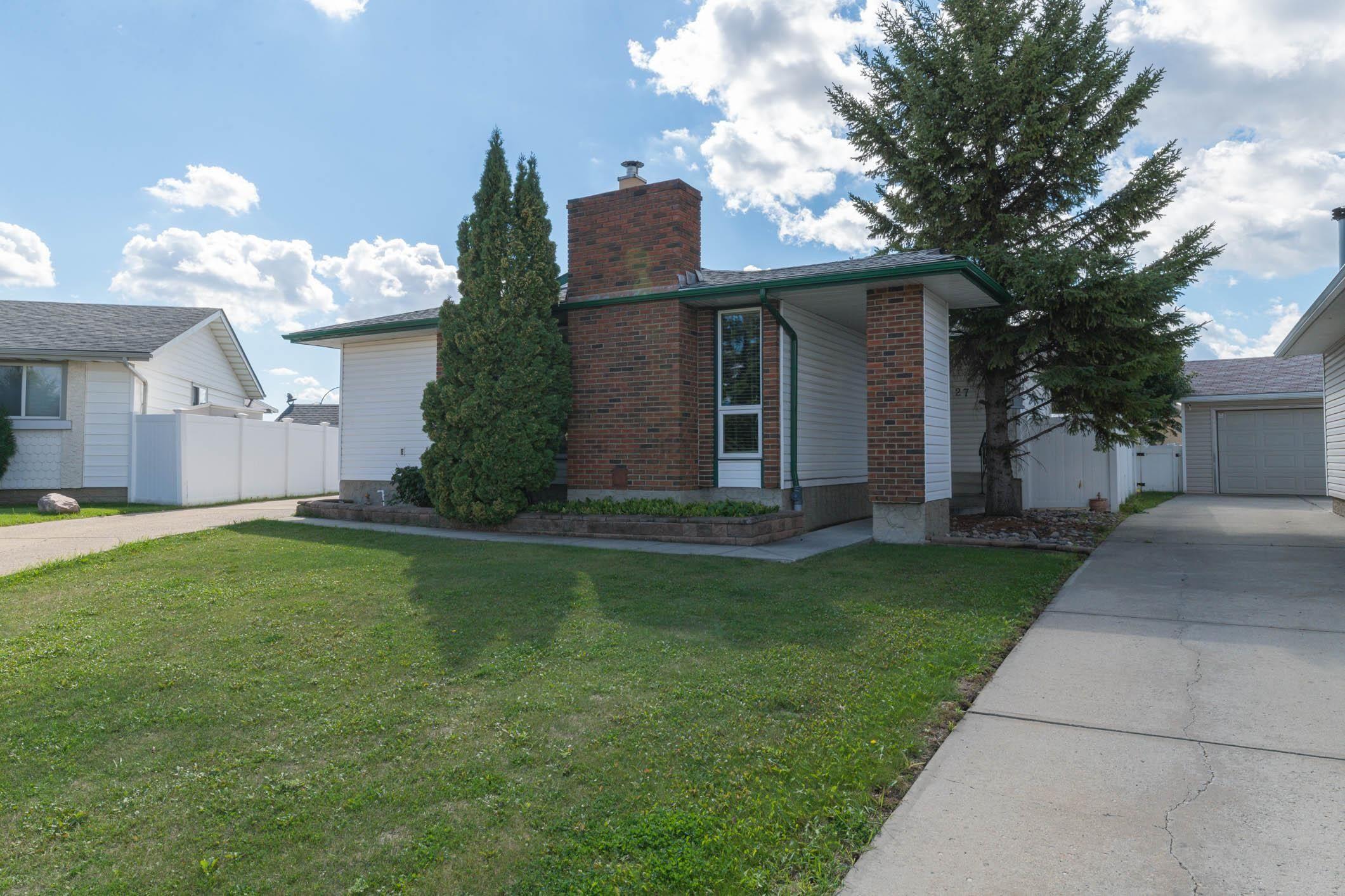 Main Photo: 27 Hamilton Crescent in Edmonton: Zone 35 House for sale : MLS®# E4262636