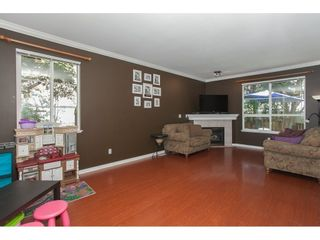 """Photo 3: 67 14468 73A Avenue in Surrey: East Newton Townhouse for sale in """"THE SUMMIT"""" : MLS®# R2110614"""
