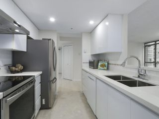 Photo 10: 1103 867 HAMILTON STREET in Vancouver: Downtown VW Condo for sale (Vancouver West)  : MLS®# R2413124