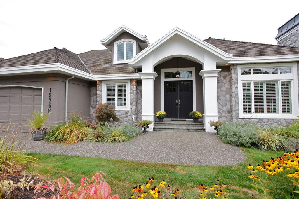 """Main Photo: 13758 21A Avenue in Surrey: Elgin Chantrell House for sale in """"CHANTRELL PARK ESTATES"""" (South Surrey White Rock)  : MLS®# F1422627"""