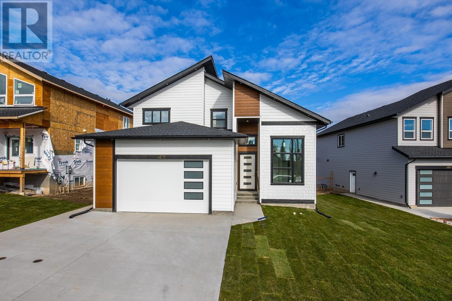 Main Photo: 4872 LOGAN CRESCENT in Prince George: House for sale : MLS®# R2586232