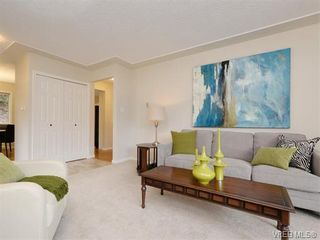 Photo 3: 2981 Harlequin Pl in VICTORIA: La Goldstream Half Duplex for sale (Langford)  : MLS®# 750970