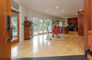 Photo 9: 302 Anya Crt in : VR Six Mile House for sale (View Royal)  : MLS®# 877710