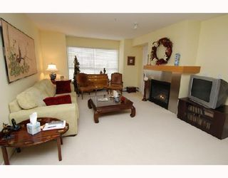 Photo 1: 213 25 RICHARD Place SW in Calgary: Lincoln Park Condo for sale : MLS®# C3366618