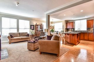 Photo 4: 308 5430 201 STREET in Langley: Langley City Condo for sale ()  : MLS®# R2297750