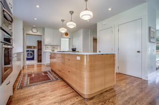 Photo 10: 1110 Levis Avenue SW in Calgary: Upper Mount Royal Detached for sale : MLS®# A1109323