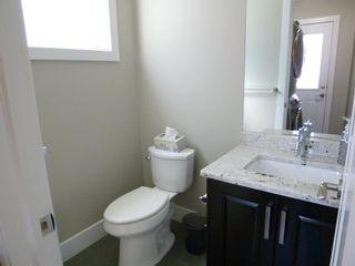 Photo 8: 10914 71 Avenue in Edmonton: Zone 15 House Half Duplex for sale : MLS®# E4246605