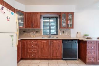 Photo 5: 5793 MAYVIEW Circle in Burnaby: Burnaby Lake Townhouse for sale (Burnaby South)  : MLS®# R2625543