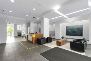 """Photo 14: 705 1155 SEYMOUR Street in Vancouver: Downtown VW Condo for sale in """"BRAVA NORTH"""" (Vancouver West)  : MLS®# R2453073"""