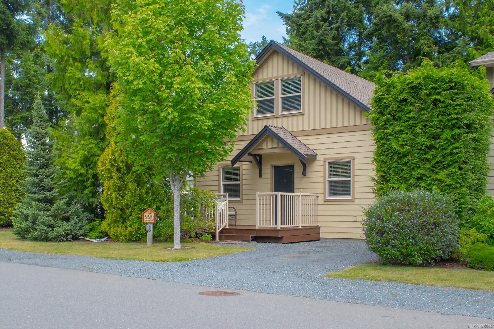 Main Photo: 223 1130 Resort Dr in : PQ Parksville Row/Townhouse for sale (Parksville/Qualicum)  : MLS®# 878854