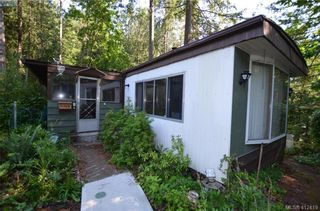 Photo 1: 140 2500 Florence Lake Rd in VICTORIA: La Florence Lake Manufactured Home for sale (Langford)  : MLS®# 817798
