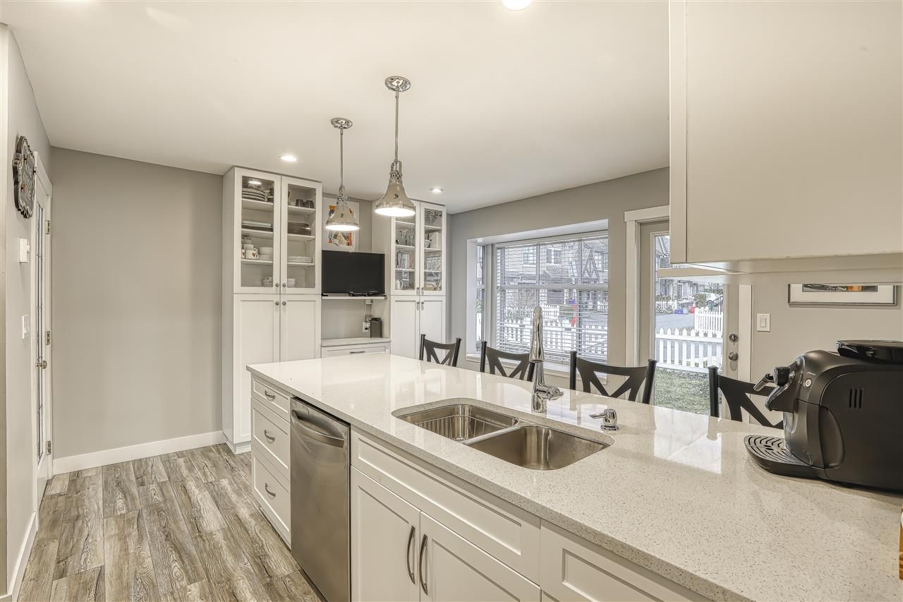 """Photo 9: Photos: 104 12099 237 Street in Maple Ridge: East Central Townhouse for sale in """"GABRIOLA"""" : MLS®# R2436710"""