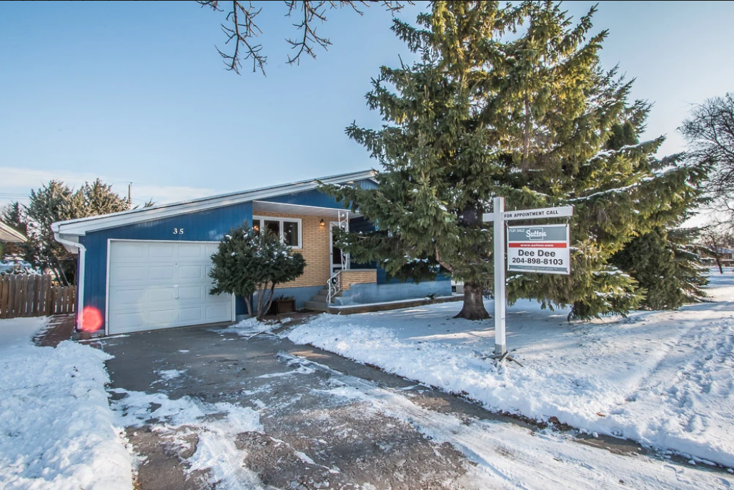 Main Photo: 35 donegal bay in winnipeg: Residential for sale