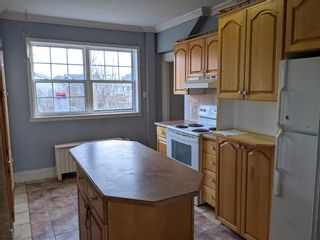 Photo 2: 5 Pleasant Street in Glace Bay: 203-Glace Bay Residential for sale (Cape Breton)  : MLS®# 202102382