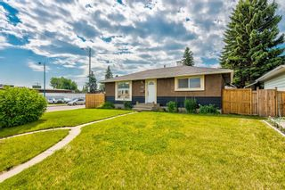 Photo 2: 4703 Waverley Drive SW in Calgary: Westgate Detached for sale : MLS®# A1121500