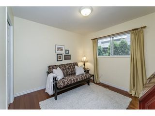 Photo 10: 14779 RUSSELL Avenue: White Rock House for sale (South Surrey White Rock)  : MLS®# R2171481