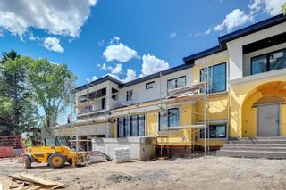 Photo 2: 10 LAURIER Place in Edmonton: Zone 10 House for sale : MLS®# E4233660