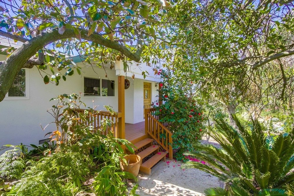 Main Photo: VISTA House for sale : 3 bedrooms : 2155 Warmlands Avenue