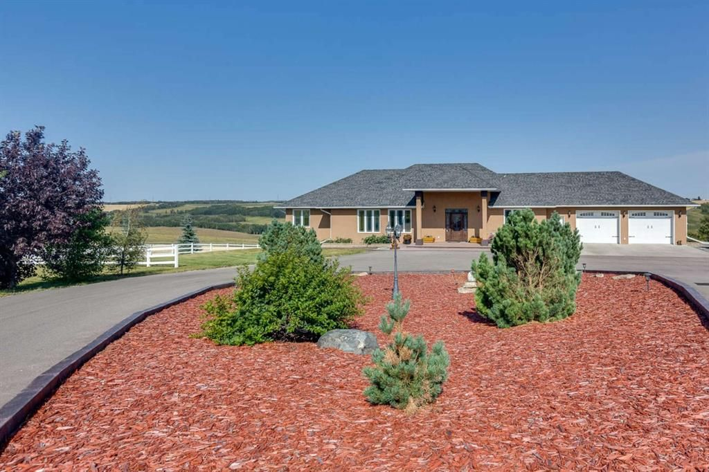 Main Photo: 28125 Highway 587: Rural Red Deer County Detached for sale : MLS®# A1141003