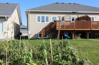 Photo 27: 66 Parkhill Crescent in Steinbach: R16 Residential for sale : MLS®# 202123695