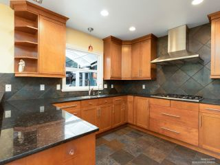 Photo 8: 206 W 23RD Street in North Vancouver: Central Lonsdale House for sale : MLS®# R2605422