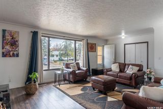 Photo 3: 129 T Avenue South in Saskatoon: Pleasant Hill Residential for sale : MLS®# SK850246