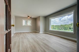 Photo 4: 94 Farewell Street in Oshawa: Donevan Freehold for sale