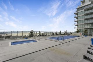 "Photo 34: 803 15152 RUSSELL Avenue: White Rock Condo for sale in ""Miramar"" (South Surrey White Rock)  : MLS®# R2532096"