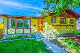 Photo 2: 120 Silver Springs Drive NW in Calgary: Silver Springs Detached for sale : MLS®# A1144635