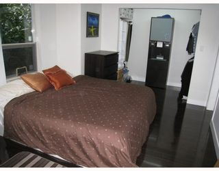"""Photo 8: 104 876 W 14TH Avenue in Vancouver: Fairview VW Condo for sale in """"WINDGATE LAUREL"""" (Vancouver West)  : MLS®# V760863"""