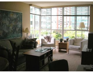 """Photo 2: 603 1500 HOWE Street in Vancouver: False Creek North Condo for sale in """"DISCOVERY"""" (Vancouver West)  : MLS®# V653046"""