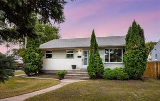 Photo 1: 578 Seven Oaks Avenue in Winnipeg: West Kildonan Residential for sale (4D)  : MLS®# 202119751