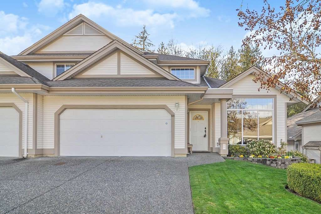 """Main Photo: 88 9025 216 Street in Langley: Walnut Grove Townhouse for sale in """"Coventry Woods"""" : MLS®# R2356730"""