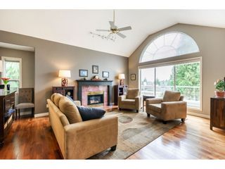 Photo 4: 31 4001 OLD CLAYBURN Road: Townhouse for sale in Abbotsford: MLS®# R2556894