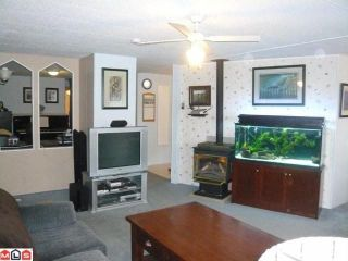 """Photo 6: 38 8254 134 Street in Surrey: Queen Mary Park Surrey Manufactured Home for sale in """"Westwood Estates"""" : MLS®# F1102670"""