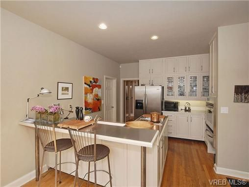Photo 8: Photos: 244 King George Terrace in VICTORIA: OB Gonzales Residential for sale (Oak Bay)  : MLS®# 328404