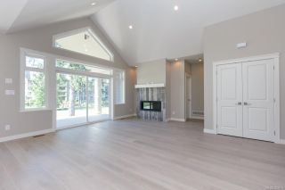 Photo 5: 2136 Champions Way in : La Bear Mountain House for sale (Langford)  : MLS®# 863691