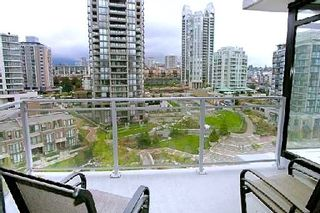 """Photo 9: 907 155 W 1ST Street in North Vancouver: Lower Lonsdale Condo for sale in """"Time"""" : MLS®# R2086762"""