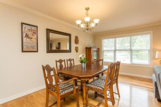 Photo 11: 926 KOMARNO Court in Coquitlam: Chineside House for sale : MLS®# R2584778
