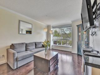 """Photo 3: 305 7088 MONT ROYAL Square in Vancouver: Champlain Heights Condo for sale in """"Brittany"""" (Vancouver East)  : MLS®# R2574941"""
