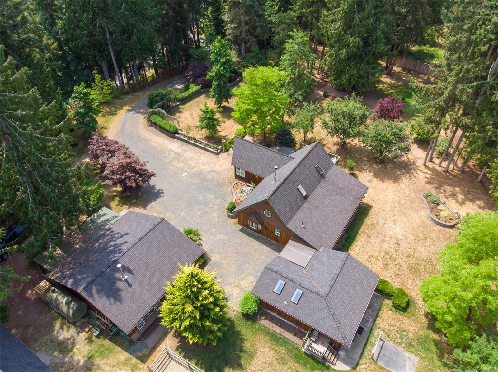 Main Photo: 727 Englishman River Rd in : PQ Errington/Coombs/Hilliers House for sale (Parksville/Qualicum)  : MLS®# 881965