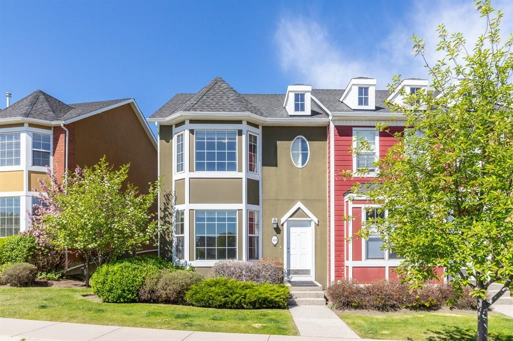 Main Photo: 268 Rainbow Falls Drive: Chestermere Row/Townhouse for sale : MLS®# A1118843