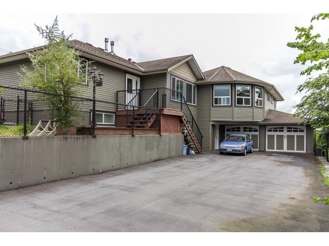 Main Photo: 32910 5TH Avenue in Mission: Mission BC House for sale : MLS®# R2076251