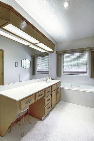 Photo 17: 23 SIGNAL RIDGE Place SW in Calgary: Signal Hill Detached for sale : MLS®# A1016893