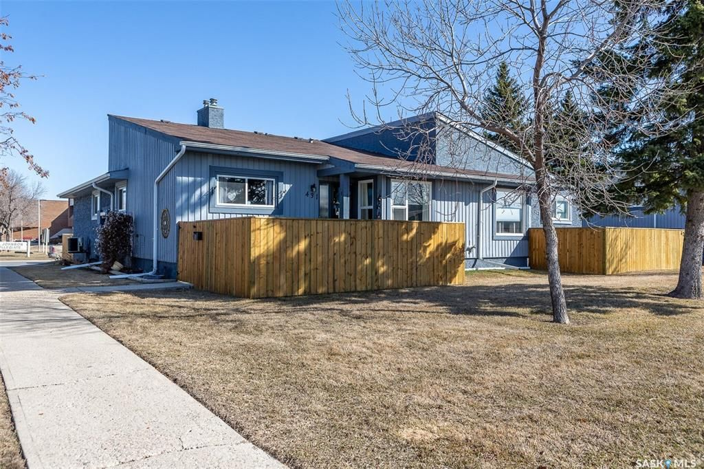 Main Photo: 431 Fines Drive in Regina: Glencairn Village Residential for sale : MLS®# SK849126
