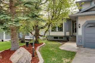 Photo 3: 17 Shannon Circle SW in Calgary: Shawnessy Detached for sale : MLS®# A1105831