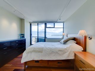 Photo 3: 1101 2445 West 3rd Avenue in Vancouver: Condo for sale : MLS®# V970538